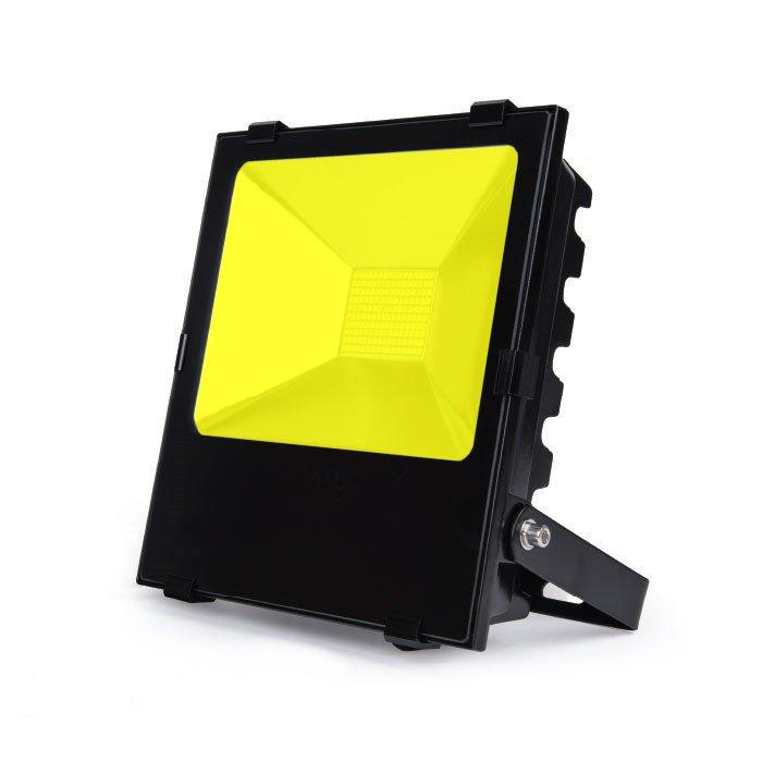 projecteur led 200w jaune pour grue de chantier. Black Bedroom Furniture Sets. Home Design Ideas